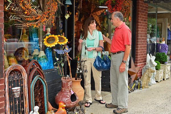 shopping in blowing rock - photo by Todd Bush