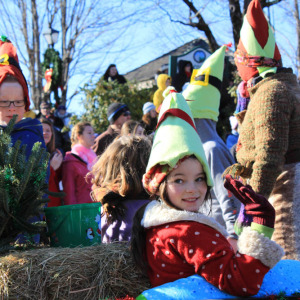 Christmas Parade: Starting at 2:00 p.m. on the Saturday after Thanksgiving, the Main Street parade features fire trucks, a color guard and festively-clad singers and dancers.