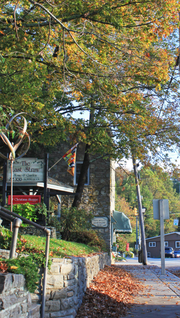 early fall color downtown blowing rock