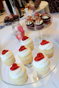 valentine's day cupcakes at sweetheart soiree