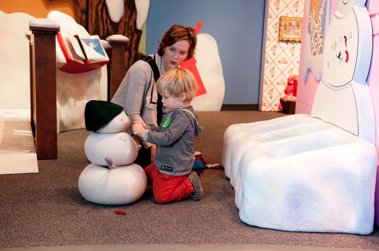 Image of child playing courtesy of the Minnesota Children's Museum.